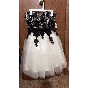 Black and cream prom dress